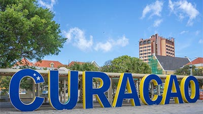 Travel in spring to Curacao