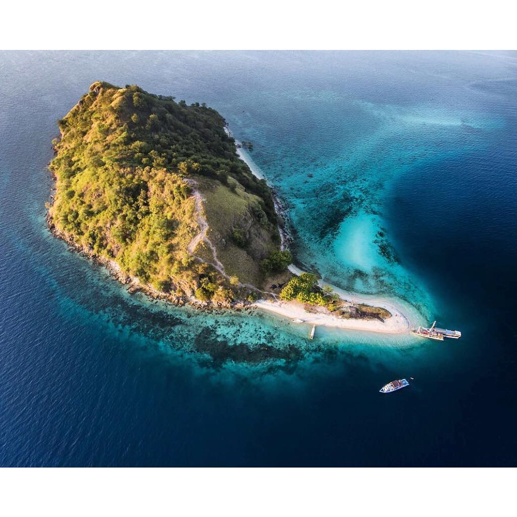 Reasons Why Komodo Sailing Trip is Honeymoon Perfect