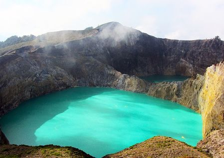 Travel tips to Kelimutu lake in Indonesia