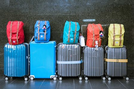 How to avoid exceeding your plane's luggage weight