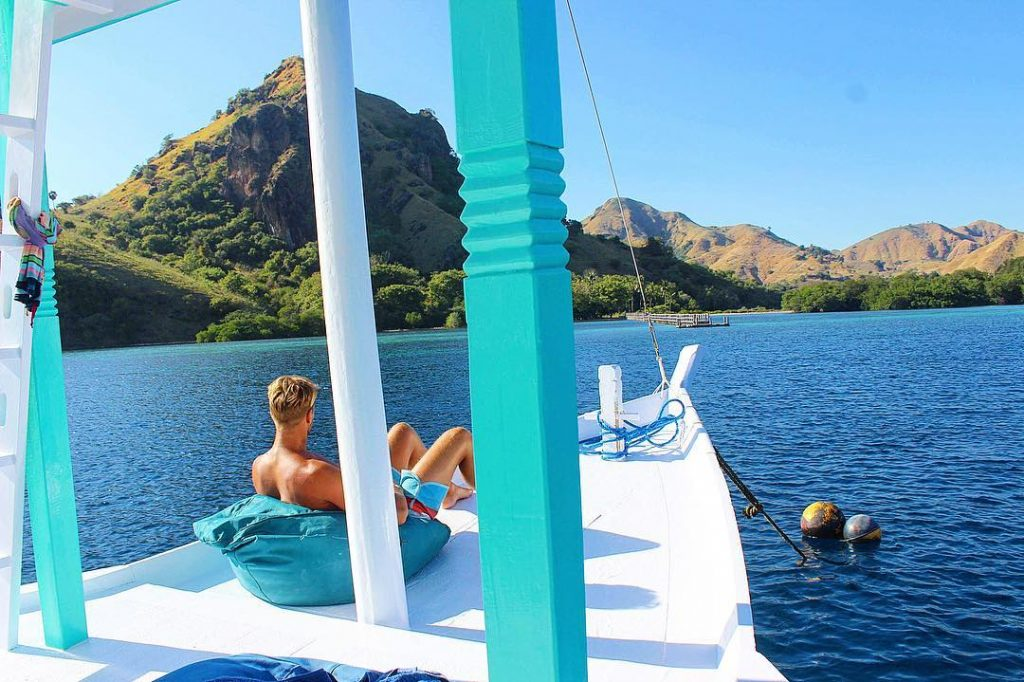 Komodo Boat: 5 Simple Things to Enjoy Onboard