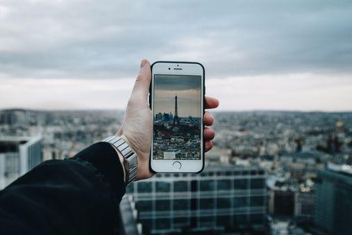 Minimizing the phone usage when traveling