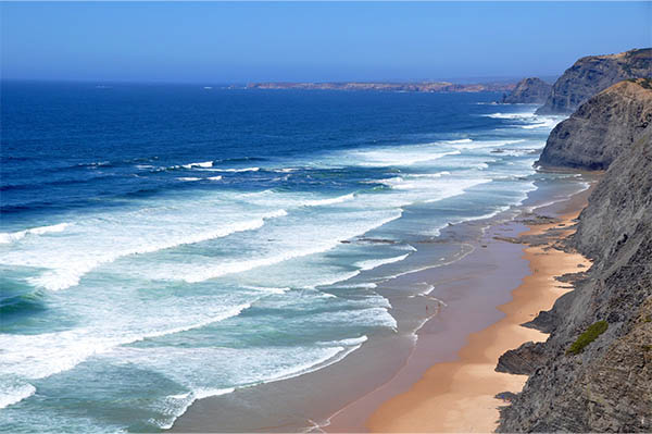 How to surfing in Portugal like a pro