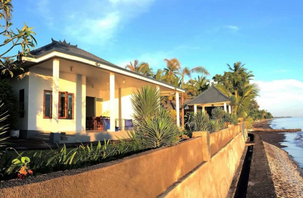 Astonishing Beachfront Villa Bali