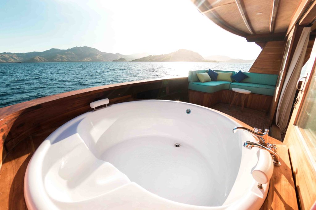 magia 2 yacht